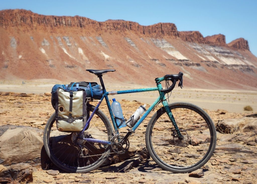 Bike and buttresses aussenkehr